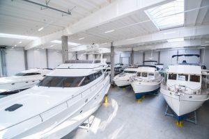 yacht center